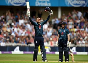 Hales, Bairstow relive historic moments